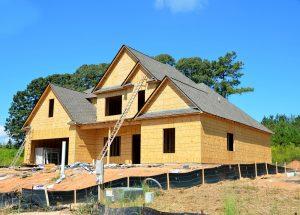 Dlaczego warto budować drewniane domy?